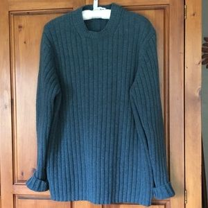 Classic Gap Men's wool sweater size Large